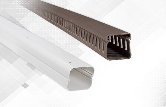Plastic cable trunkings
